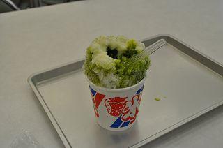 鶴岡八幡宮休憩所でかき氷 抹茶ミルク
